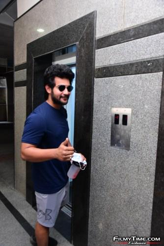 Aadi-Sai-kumar-Snapped-At-Gym-In-Hyderabad-15