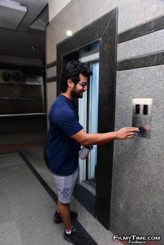 Aadi-Sai-kumar-Snapped-At-Gym-In-Hyderabad-17