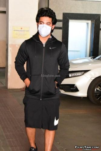 Hero-Aadi-Sai-Kumar-At-Gym-in-Hyderabad-11