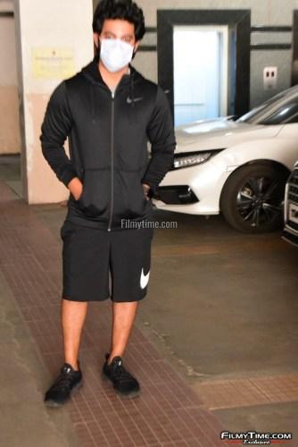 Hero-Aadi-Sai-Kumar-At-Gym-in-Hyderabad-5