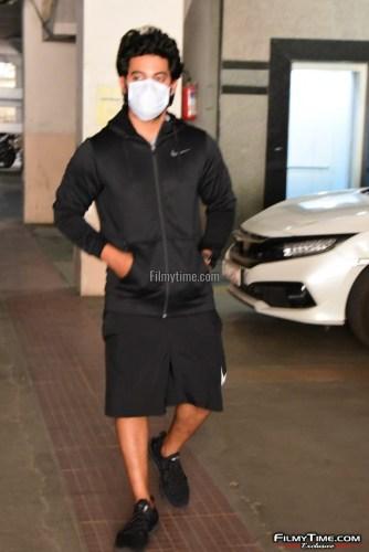 Hero-Aadi-Sai-Kumar-At-Gym-in-Hyderabad-7
