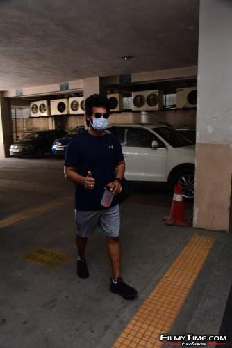 Aadi-Sai-kumar-Snapped-At-Gym-In-Hyderabad-8