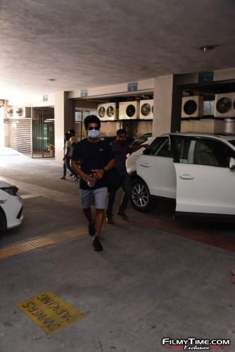 Aadi-Sai-kumar-Snapped-At-Gym-In-Hyderabad-3