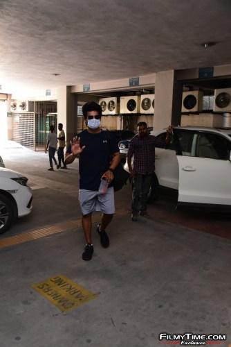 Aadi-Sai-kumar-Snapped-At-Gym-In-Hyderabad-4
