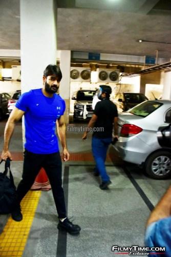 Kartikeya-snapped-at-Gym-in-Hyderabad-16