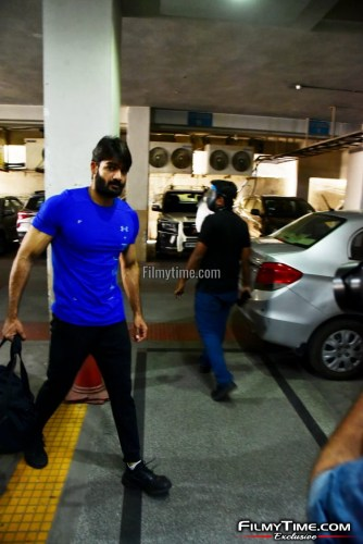 Kartikeya-snapped-at-Gym-in-Hyderabad-17