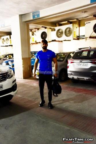 Kartikeya-snapped-at-Gym-in-Hyderabad-18