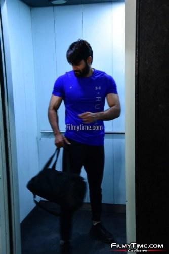 Kartikeya-snapped-at-Gym-in-Hyderabad-19