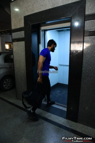 Kartikeya-snapped-at-Gym-in-Hyderabad-22