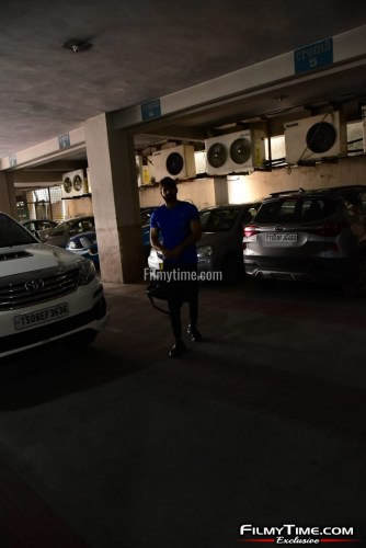Kartikeya-snapped-at-Gym-in-Hyderabad-24