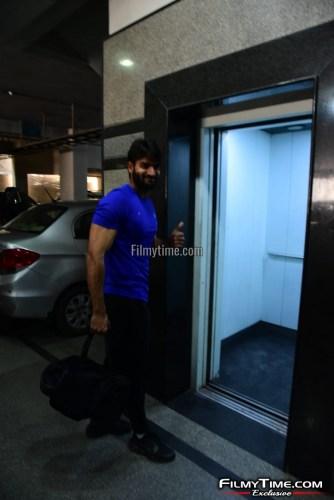 Kartikeya-snapped-at-Gym-in-Hyderabad-25