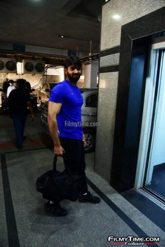 Kartikeya-snapped-at-Gym-in-Hyderabad-26