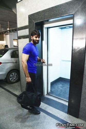 Kartikeya-snapped-at-Gym-in-Hyderabad-3