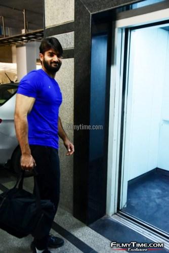 Kartikeya-snapped-at-Gym-in-Hyderabad-4