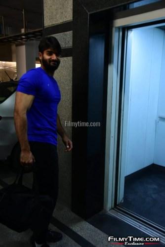 Kartikeya-snapped-at-Gym-in-Hyderabad-5