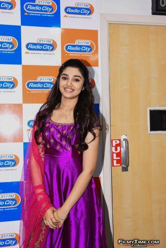 Krithi-Shetty-at-Radio-city-1
