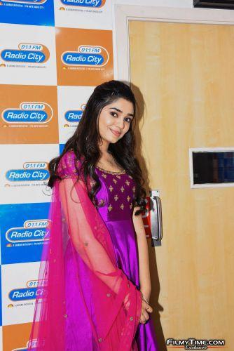 Krithi-Shetty-at-Radio-city-17