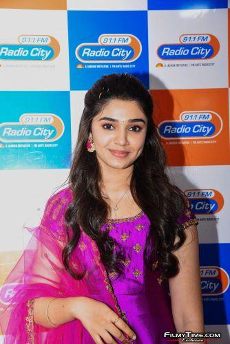 Krithi-Shetty-at-Radio-city-2
